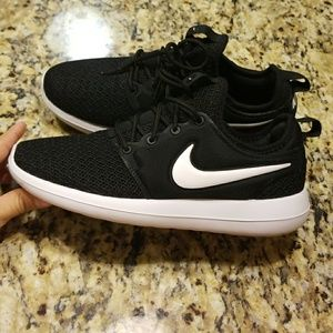 new product 8776b 5ea5f Women's Nike Roshe Two Casual #844931-007
